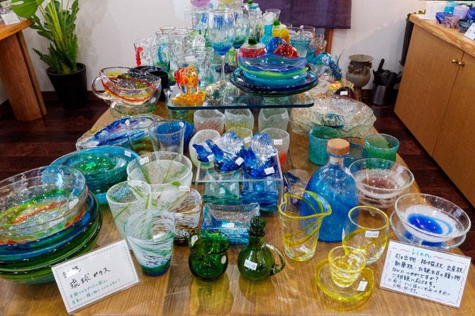 器と珈琲 Lien りあん のギャラリー: 陶器とガラス製品