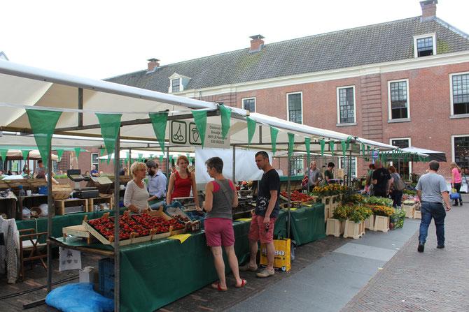 streekmarkt woerden aardbeien oosterom kersen lokaal eten streekproducten kerkplein Anneke Arends