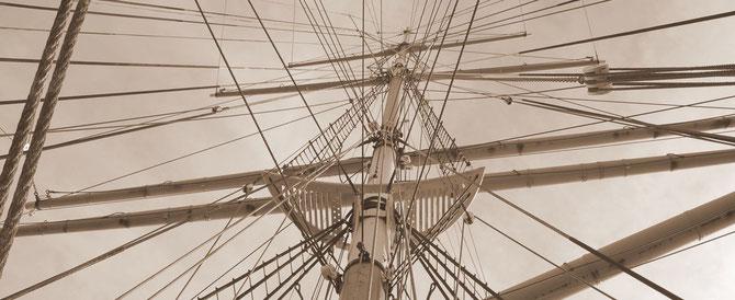 USA, San Francisco, am Pier auf einem Schiff in den Mast fotografiert