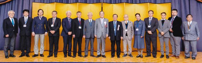 新生神奈川県家具協同組合の役員。