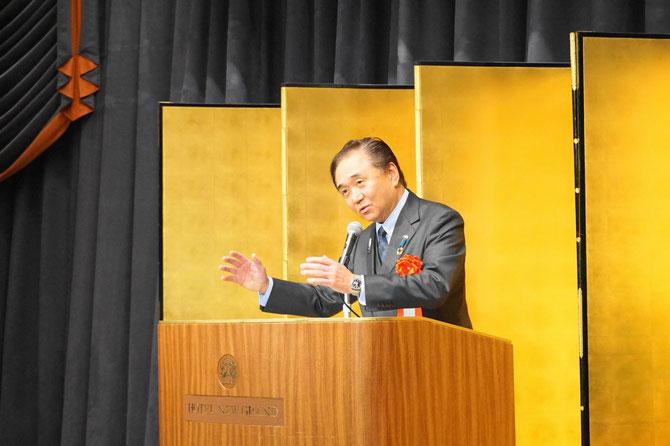 来賓代表の神奈川県黒岩祐二知事のユーモアあふれるご挨拶