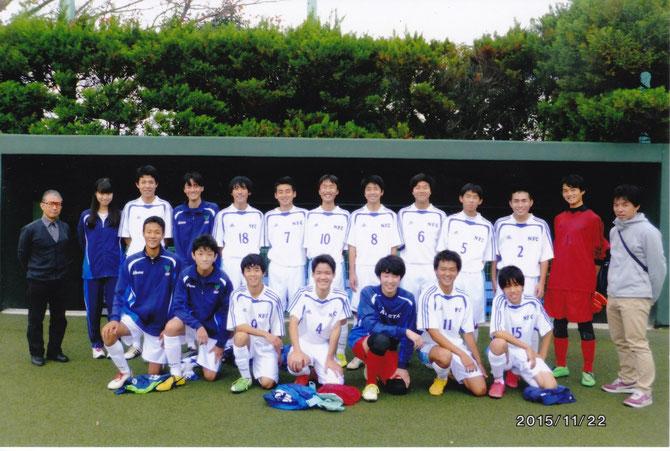 2015.11.22豊多摩戦に勝利し笑顔の69期70期のBチーム右端に平山先生。左端に篠田先生。