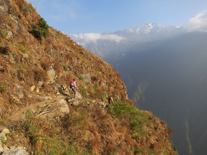 Le sentier en balcon vers Sherpagaon!