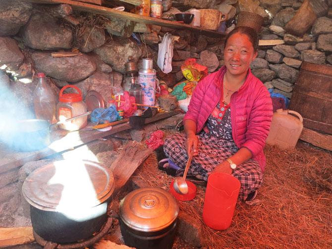 Chuuki prépare le thé au lait
