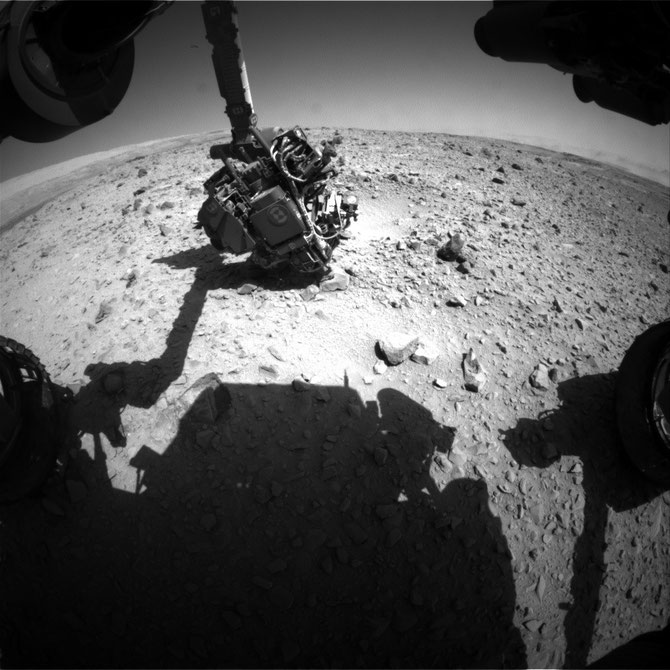 Front Hazcam Right B - Image credit: NASA/JPL