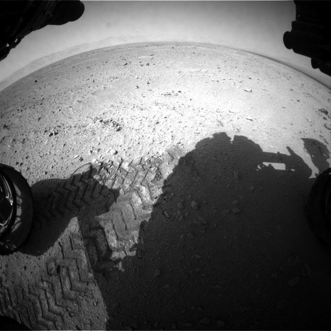 Front Hazcam: Left A 2012-09-26 13:05:48 UTC (Image Credits: NASA/JPL-Caltech)