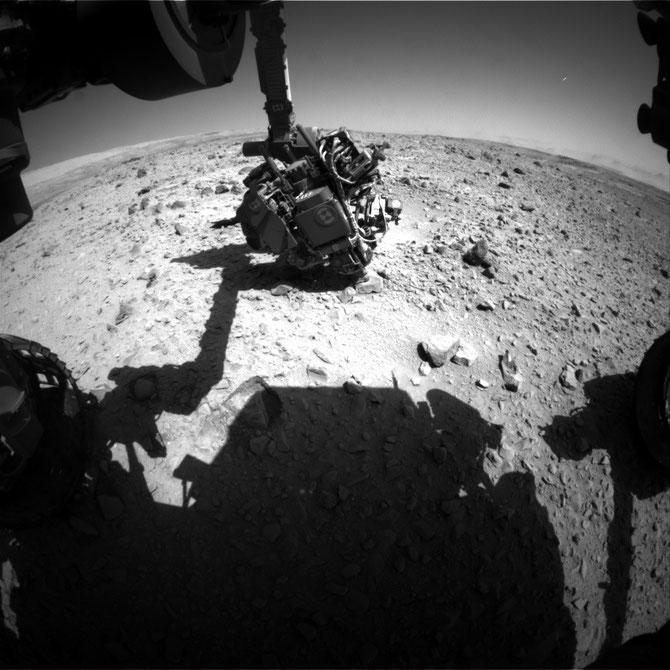 Front Hazcam Left B - Image credit: NASA/JPL