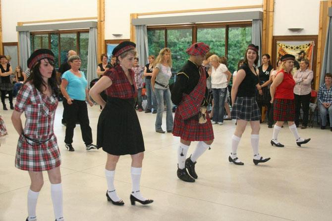 Visite surprise de danseurs Ecossais au bal de la rentrée, fin Août 2012