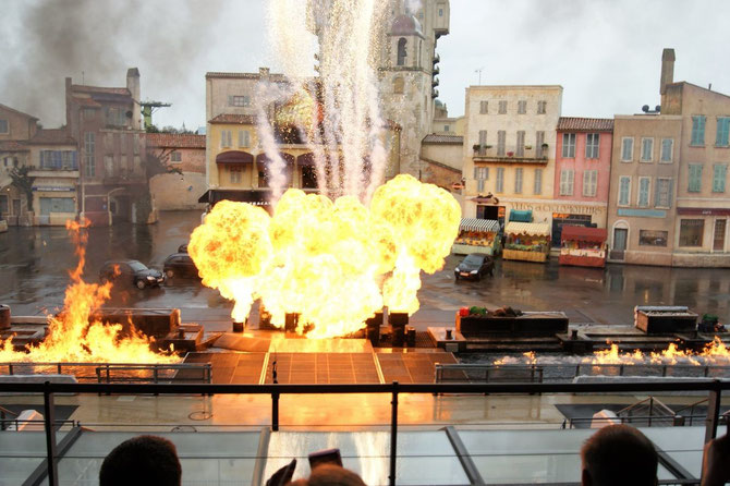 Explosionen Autos Motorräder