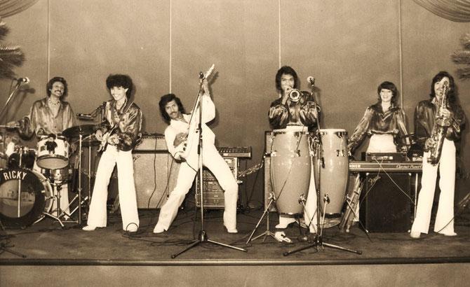 Andy Tielman Showband in Ludwigshafen (ca. 1981)  met 2e van links Rudy van Haasen en rechts Alex