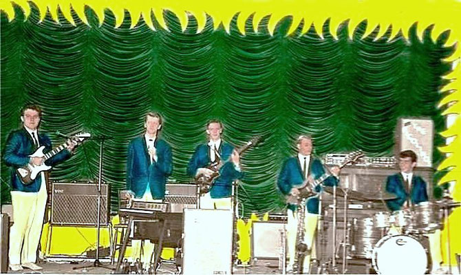 1965. Van links naar rechts:               Daan Smit, Janek Bukowski, Herman Kolker, Jopie de Haan, Paul Frissen.