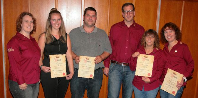 Links nach rechts: Bianca Schön, Laura Muschik, Marco Wächtersbach, Tobias Schön, Marion Höfer und Ulli Schön