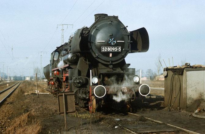 Rekolok 52 8095-3 im Jahr 1986 als Heizlok in Berlin-Wulheide Rbf - Foto: Sammlung Steffen Tautz