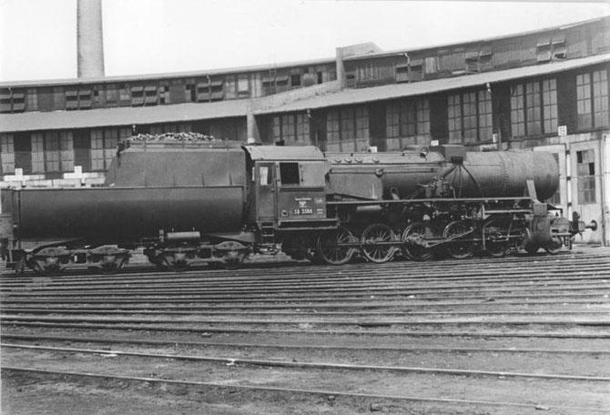 Lok der Baureihe 52 in der Ursprungsausführung - Quelle: Deutsches Bundesarchiv