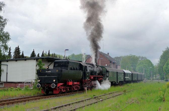 Nebenbahnatmosphäre beim Zwischenhalt in Steinhagen (Westf.) - Foto: Robert Krätschmar