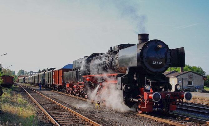 Am Morgen steht der Zug auf dem Betriebsgelände in Lengerich abfahrbereit für die Überführung nach Osnabrück - Foto: Mathias Rothmann