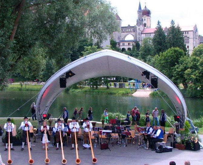 auf der Donaubühne