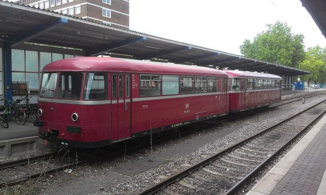 VT 795 mit Beiwagen bei den Römerkurierfahrten in Trier Hbf