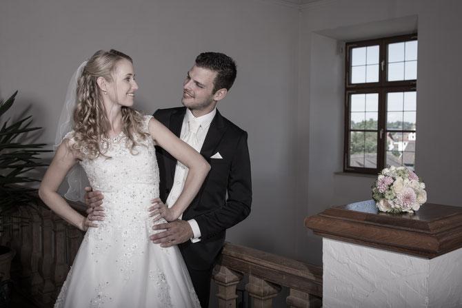 Bayerisches Schloss in Türkheim mit einem Brautpaar