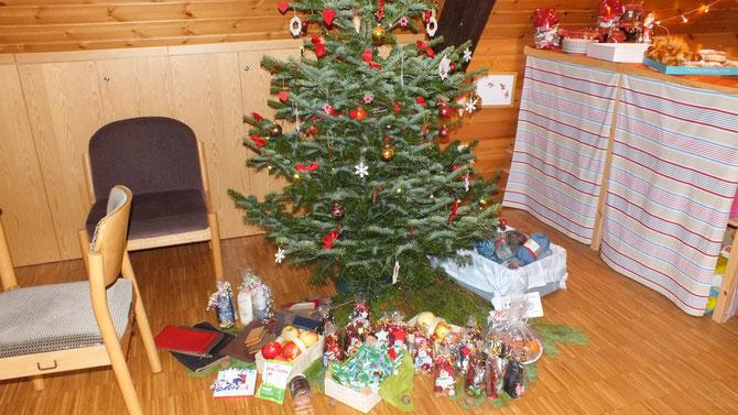 2011 Baum mit Geschenken