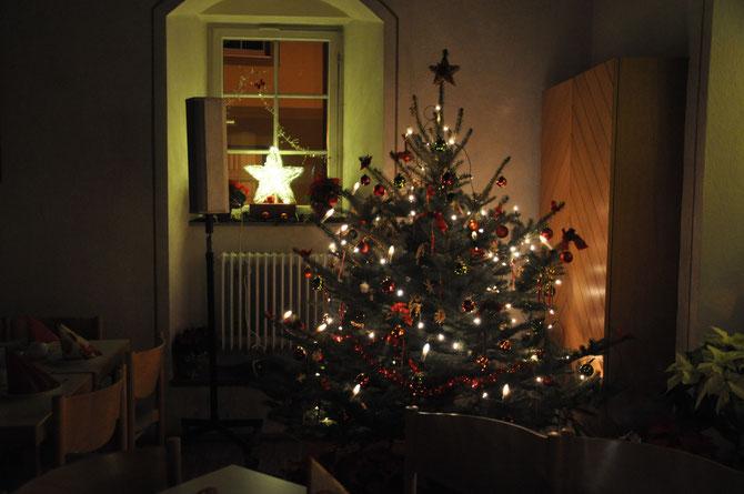 impressionen weihnachten nicht allein zuhause. Black Bedroom Furniture Sets. Home Design Ideas