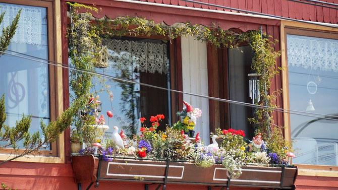 Dass der stark besuchte Badeort Frutillar (Erdbeerhausen) am Lago Lanquihue viele deutschstämmige Einwohner hat, ist kaum zu übersehen.