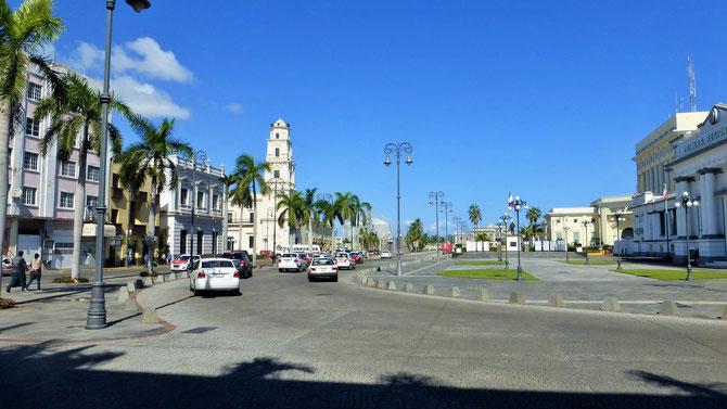 Gleich hinter der schönen Altstadt von Veracruz ..