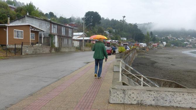 In Los Molinos erleben wir einen der ganz seltenen Regentage in den letzten Wochen. Hier sind überall Tsunamifluchtwege ausgeschildert.