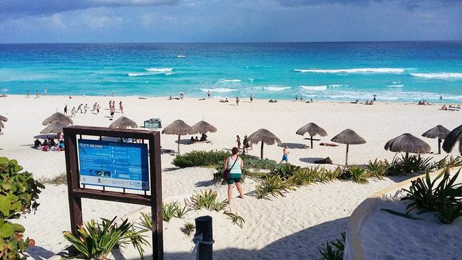 So ziemlich der einzige öffentliche ca. ein km lange Strandabschnitt zwischen den unzähligen riesigen Hotels in Cancun.
