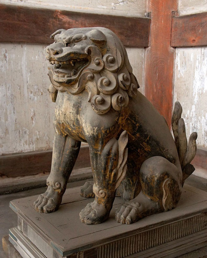 現在の狛犬(Wikipediaより-阿形の獅子/仁和寺)