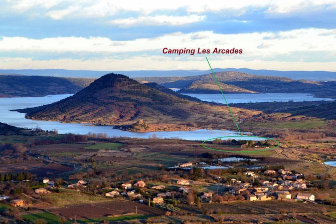 Lac du Salagou et village d'Octon