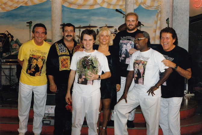 fausto ferrari con orchestra mike e lory anni 90