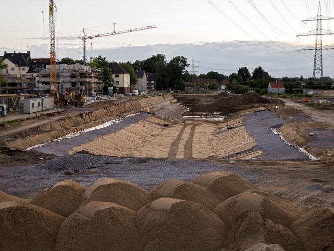 August 2012: Bodenaushub für den Niederfeldsee