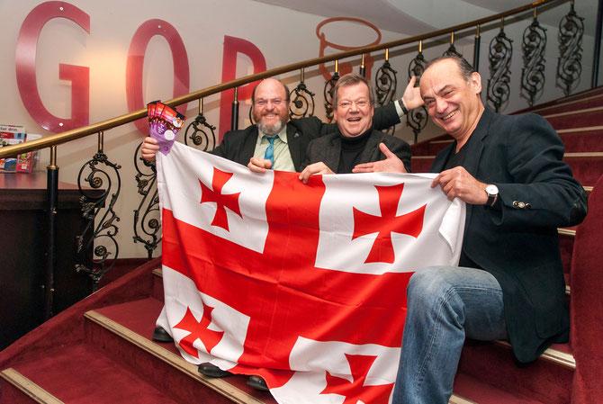 Bürgermeister Rolf Fliß, der Direktor des GOP-Varieté-Theaters Matthias Peiniger und Rezo Tschchikwischwili vom Schauspiel Essen