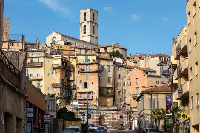 Blick zur Altstadt von Grasse