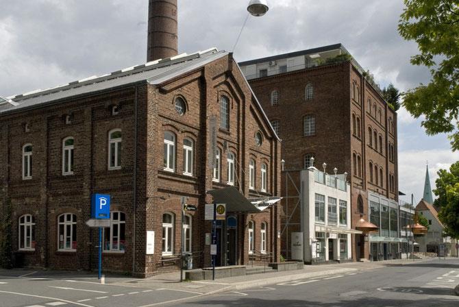 Die ehemalige Lindenbrauerei, Zentrum für Internationale Lichtkunst (Gebäude ganz rechts)