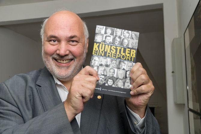 """Wolfgang Schneider stellte sein aktuelles Buch """"Künstler. Ein Report"""" vor."""