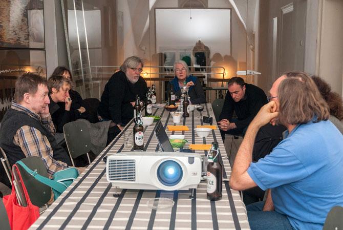 Diskussion mit Dr. Rainer Vowe (ganz links im Bild)