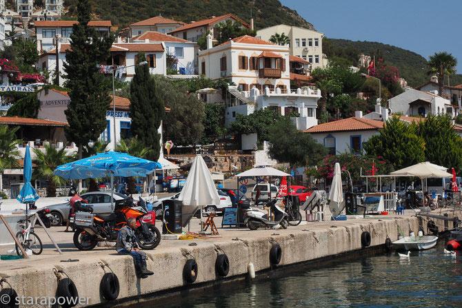 Am Hafen von Kaş