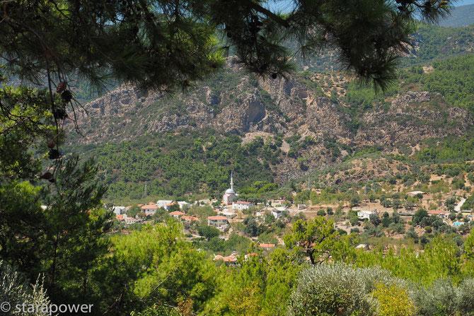 Einfache Dörfer schmücken die Resadiye-Halbinsel