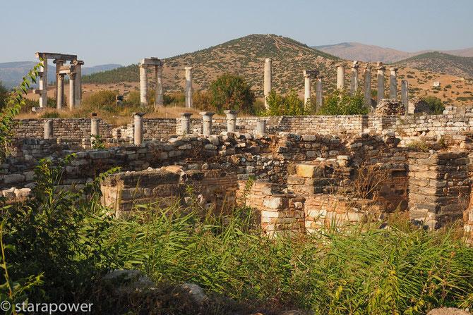 Blick vom Odeion zum Aphrodite-Tempel