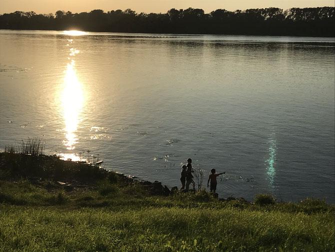 Uglich: Sonnenuntergang an der Wolga
