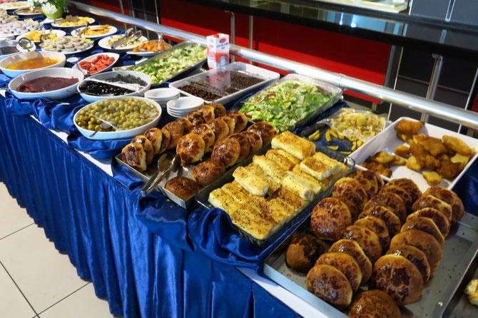 Für den kleinen Hunger am Morgen: Frühstücksbüfett im Motel Atahalan bei Osmancik