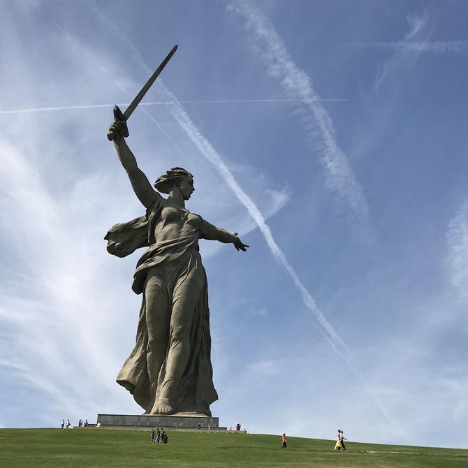 Mutter Heimat auf dem Mamayev- Hügel über Wolgograd