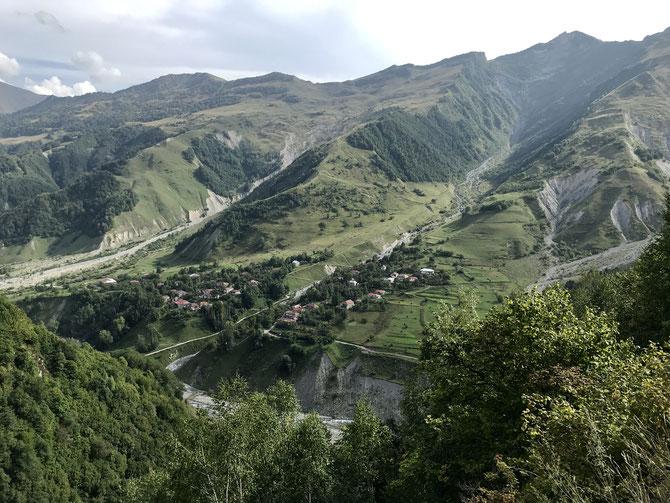 Kaukasus-Berge bei Mleta