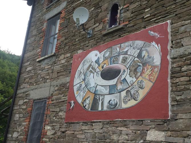 QUESTA OCA è diventata un murale, immagine simbolo di una azienda agricola a Borgotaro-PR