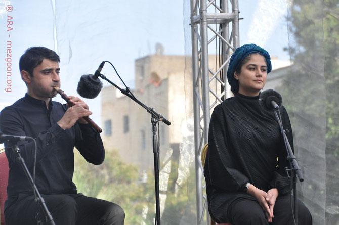 Sahar Mohammadi (Iran) accommpagnée de Haïg Sarikouyoumdjian (Azerbaïdjan) au duduk