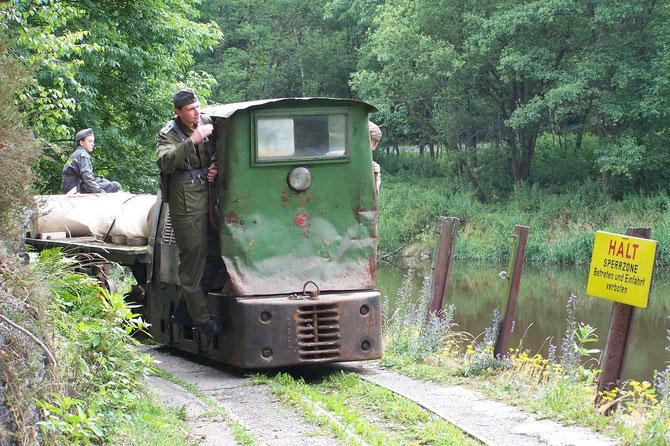 """7'14:Erste Güterzug-Fotoveranstaltung """"Papiertransport im Grenzgebiet"""""""