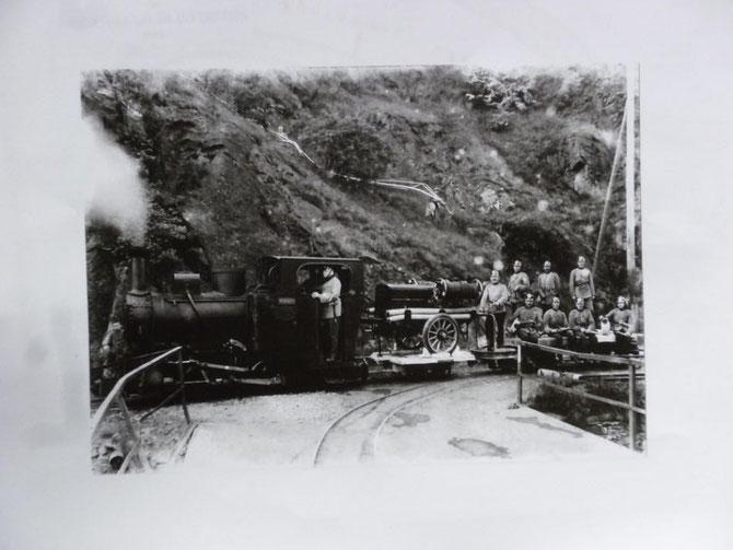 Dampfzug bei einer Feuerwehrübung