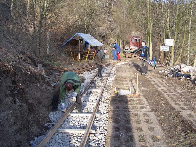 3'15 : Die Gleise sind verlegt